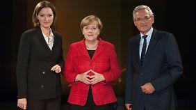 Angela Merkel gibt das zweite Interview in fünf Wochen: Dieses Mal mit Bettina Schausten und Peter Frey.