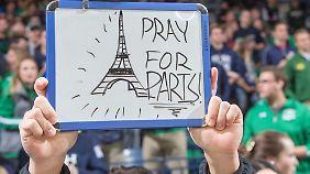 """Reaktionen auf Anschläge in Paris: """"Angriff auf die gesamte Menschheit"""""""