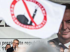 Tschechiens Präsident Zeman auf einer Anti-Islam-Demonstration in Prag.