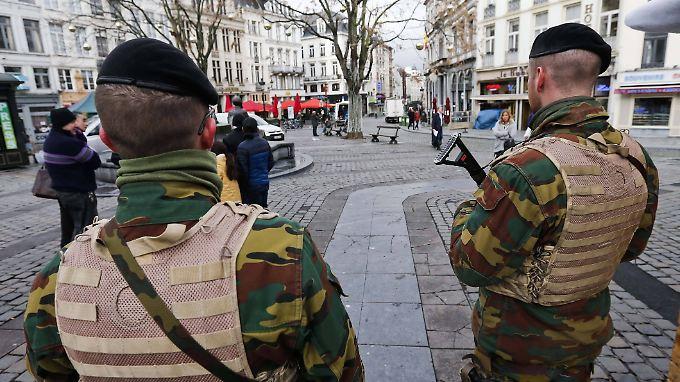 In Brüssel patrouilliert Militär.