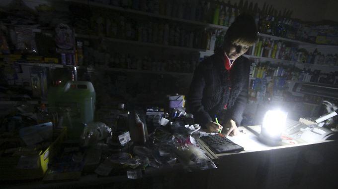 In den Krim-Geschäften fehlt der Strom und womöglich bald auch das Warenangebot