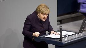 Generaldebatte im Bundestag: Merkel bekommt ungewöhnliche Unterstützung von Opposition