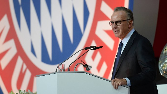 Not amused: Bayern-Boss Karl-Heinz Rummenigge.