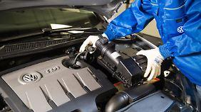 Rückruf im Abgasskandal: Volkswagen rüstet 2,5 Millionen Fahrzeuge in Deutschland um
