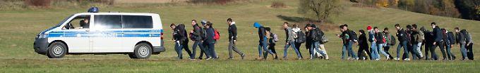 Der Tag: 15:22 Neue Maßnahmen im Asylverfahren verzögern sich