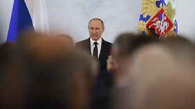 """""""Wer denkt, dass sie mit Sanktionen auf Tomatenlieferungen davon kommen, liegt falsch"""", sagt Putin über die Türkei."""