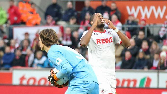 Augsburgs Keeper Marwin Hitz sorgte gegen Köln für den Aufreger des Spieltags - und hätte für seine Unsportlichkeit durchaus verwarnt werden können. Mehr aber auch nicht.