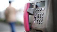 Auch noch existent: Telekom-Münztelefon in Düsseldorf.