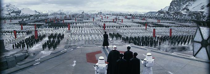 """Szene aus dem neuen Film """"Star Wars: Das Erwachen der Macht."""""""