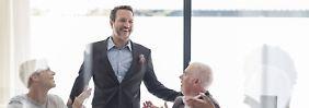 Erstarrt vor Ehrfurcht: Charismatischer Chef kann einschüchtern