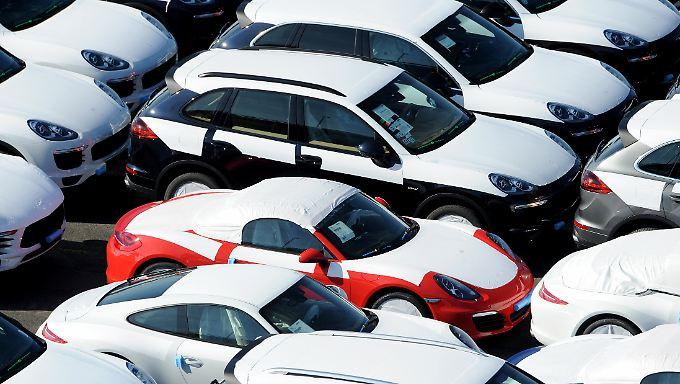 Im Januar lieferten die deutschen Autobauer weniger Fahrzeuge ins Ausland.