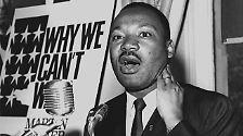 """Oder der Bürgerrechtler, Vorkämpfer und führende Figur der Bürgerrechtsbewegung in den USA. Martin Luther King erhielt den Titel 1963, das Jahr der Proteste in Birmingham, Alabama, die zur Aufhebung der Rassentrennung führte. Im gleichen Jahr fand der prominente Marsch auf Washington statt, bei dem King seine berühmte """"I have a Dream""""-Rede hielt, in der er seine Vision einer Gesellschaft ohne Rassismus beschrieb."""