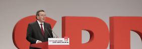 SPD-Bundesparteitag in Berlin: Schröder wirbt um Unterstützung für Kurs von Gabriel