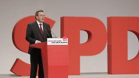SPD-Bundesparteitag in Berlin: Schröder wirbt um Unterstützung für Gabriel