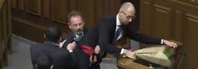 Prügelei im ukrainischen Parlament: Wenn echte Männer Politik machen …