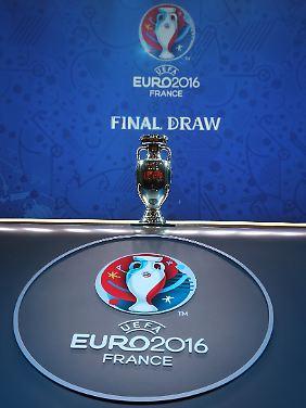 Nach 51 Spielen wird bei der EM 2016 feststehen, wer den EM-Pokal mit nach Hause nehmen darf.