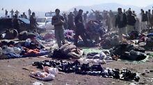 Terror in Pakistan: Bombe reißt Dutzende in den Tod