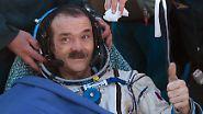 """Wer hat als Kind nicht einmal davon geträumt, als Astronaut das All zu erkunden? Für Sternengucker und Hobbyastronomen wäre die """"Anleitung zur Schwerelosigkeit"""" ein passendes Geschenk. In dem Buch beschreibt der kanadische Astronaut Chris Hadfield seinen Werdegang vom kleinen Jungen, der begeistert in den Himmel schaut, bis zum Kommandanten der Internationalen Raumstation ISS."""