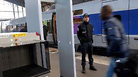 Alltag in Frankreich nach den Terroranschlägen: Kontrollen an Bahnhöfen.