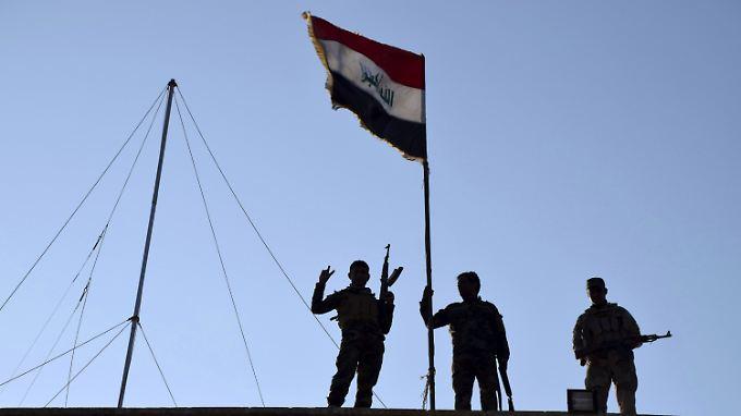 Siegrreiche irakische Kämpfer in Ramadi.