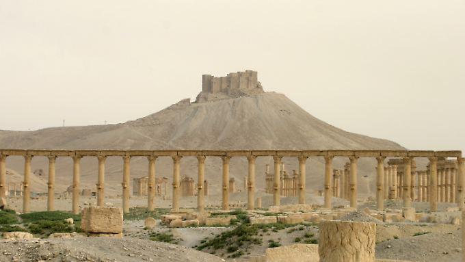 Wie zerstört die Oasenstadt Palmyra wirklich ist, wird erst klar sein, wenn Archäologen wieder vor Ort sein können. Für die Zukunft Syriens sind die antiken Stätten von großer Bedeutung: für den Wirtschaftsfaktor Tourismus und für die gemeinsame kulturelle Identität der Syrer.