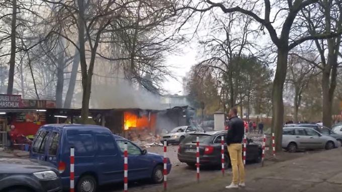 Auf Usedom ist ein Stand mit sogenannten Polen-Böllern explodiert. Es folgten mehrere Detonationen.