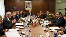 Sprachen zuletzt nur noch untereinander: Vertreter der pakistanischen und afghanischen Regierung