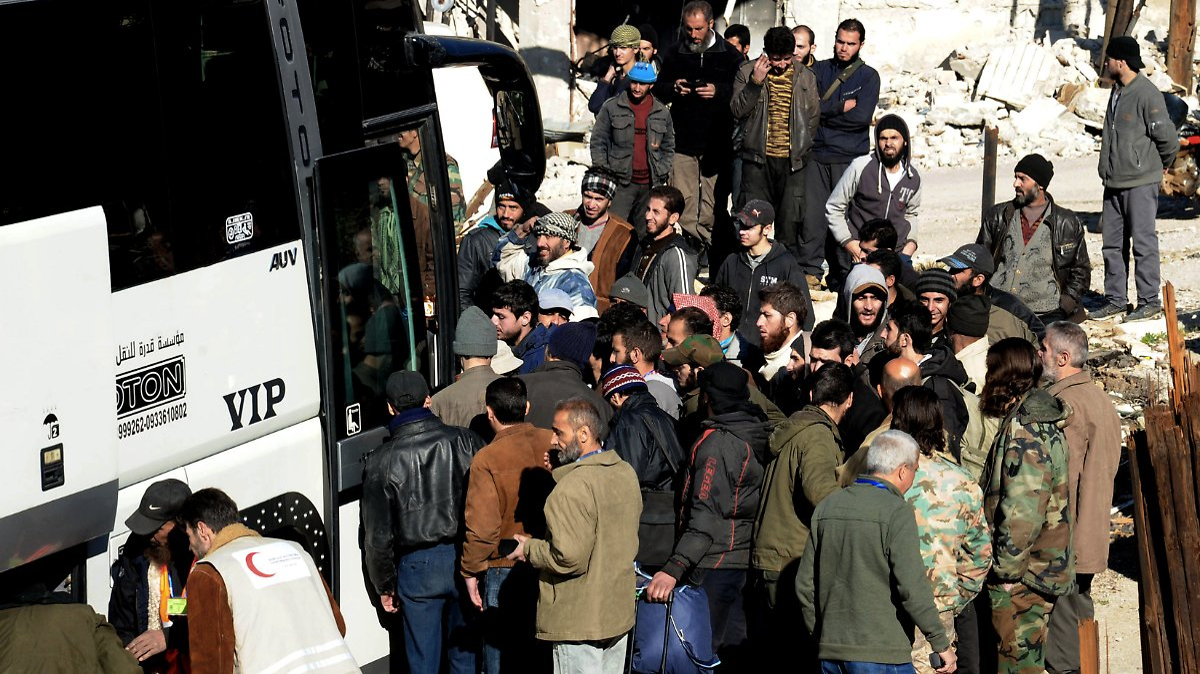 Drehscheibe libanon regime und rebellen tauschen k mpfer - Regime 16 8 ...