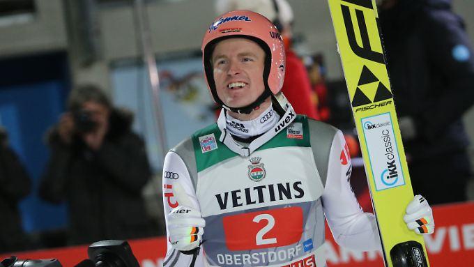 Severin Freund lässt die deutschen Skisprung-Fans mit seinem Sieg beim Tournee-Auftakt in Oberstdorf träumen.