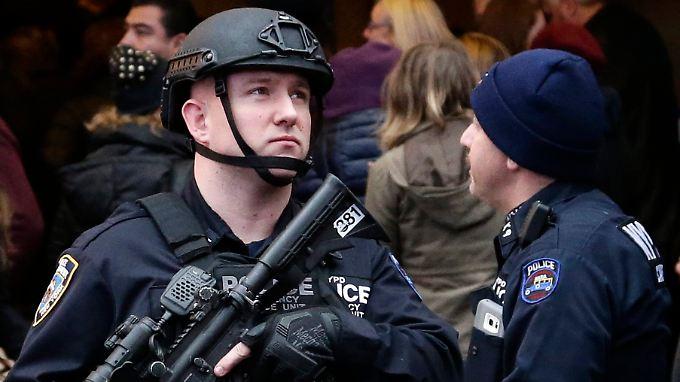 Auch in den USA herrschen zu Silvester erhöhte Sicherheitsvorkehrungen - hier am New Yorker Times Square mit der wohl größten Party des Landes.