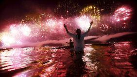 Mit Feuerwerk und Luftballons: Die Welt begrüßt das neue Jahr