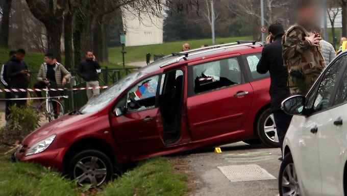 Mit Schüssen auf seinen Wagen konnten die Soldaten den Mann stoppen.