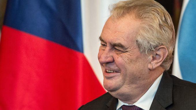 Tschechiens Präsident Milos Zeman vermutet hinter der Flüchtlingskrise eine Verschwörung.