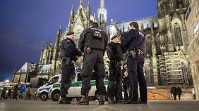 Zwei Verdächtige in Untersuchungshaft: Kölner Polizei weist Kritik am Vorgehen in Silvesternacht zurück