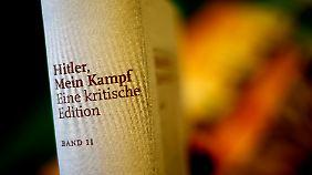 """Als Lektüre in Schulen angedacht: Hitlers """"Mein Kampf"""" steht wieder in den Buchläden"""