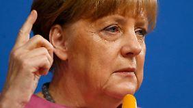 Unterstützung von Gabriel: Merkel will nach Übergriffen schnelle Verschärfung des Asylrechts