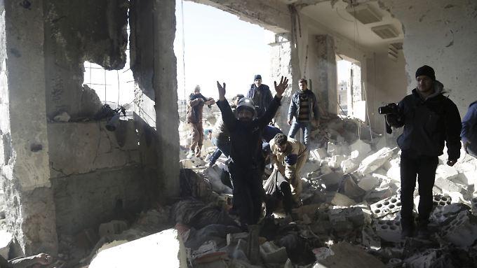 Die Provinz Idlib im Nordwesten Syriens wird von der Al-Nusra-Front kontrolliert: Unter den Toten sollen viele Extremisten sein.