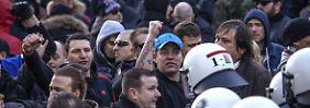 """""""Wo? Wo? Wo wart ihr Silvester"""": Nazis marschieren durchs verunsicherte Köln"""