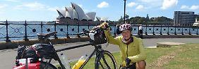 Thiemo Tóth vor dem berühmten Opernhaus von Sydney.
