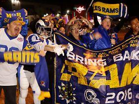 Nach 21 Jahren sind die Rams zurück in Los Angeles - zur Freude vieler NFL-Fans.