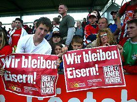 Treue auch in schwieriger Zeit: Union-Fans im Jahr 2004.