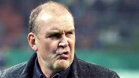 Kölns Sportchef Jörg Schmadtke will einen betrügerischen Spielerberater zur Rechenschaft ziehen.