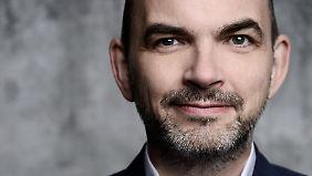 Prof. Dr. Ulrich Reinhardt ist Zukunftswissenschaftler und Leiter der Stiftung für Zukunftsfragen.