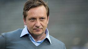 Schalkes Manager Horst Heldt reagiert scharf auf die Kritik von Lothar Matthäus.