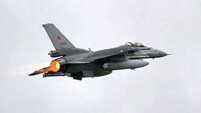 Rätselraten um Täter von Istanbul: Türkei antwortet militärisch auf Terror des IS