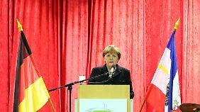 Merkel bei ihrer Rede in Trinwillershagen.