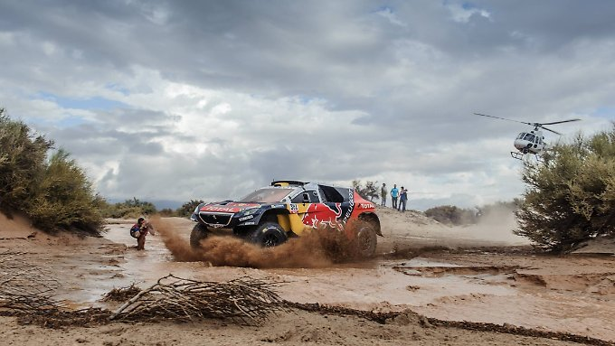 Stéphane Peterhansel kommt nun auf zwölf Triumphe bei der Rallye Dakar.