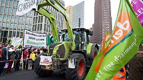 Über Hundert Traktoren waren mit am Start.