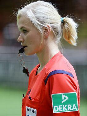 """""""Selbstverständlich ist die Bundesliga immer noch mein Ziel"""": Bibiana Steinhaus."""