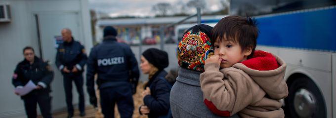 Wien will Flüchtlingszahlen senken: Österreich droht mit Grenzschließung